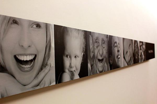 心樂活診所候診空間牆上照片